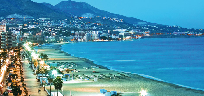 Transfer from Fuengirola to Malaga airport | What to do in the city?