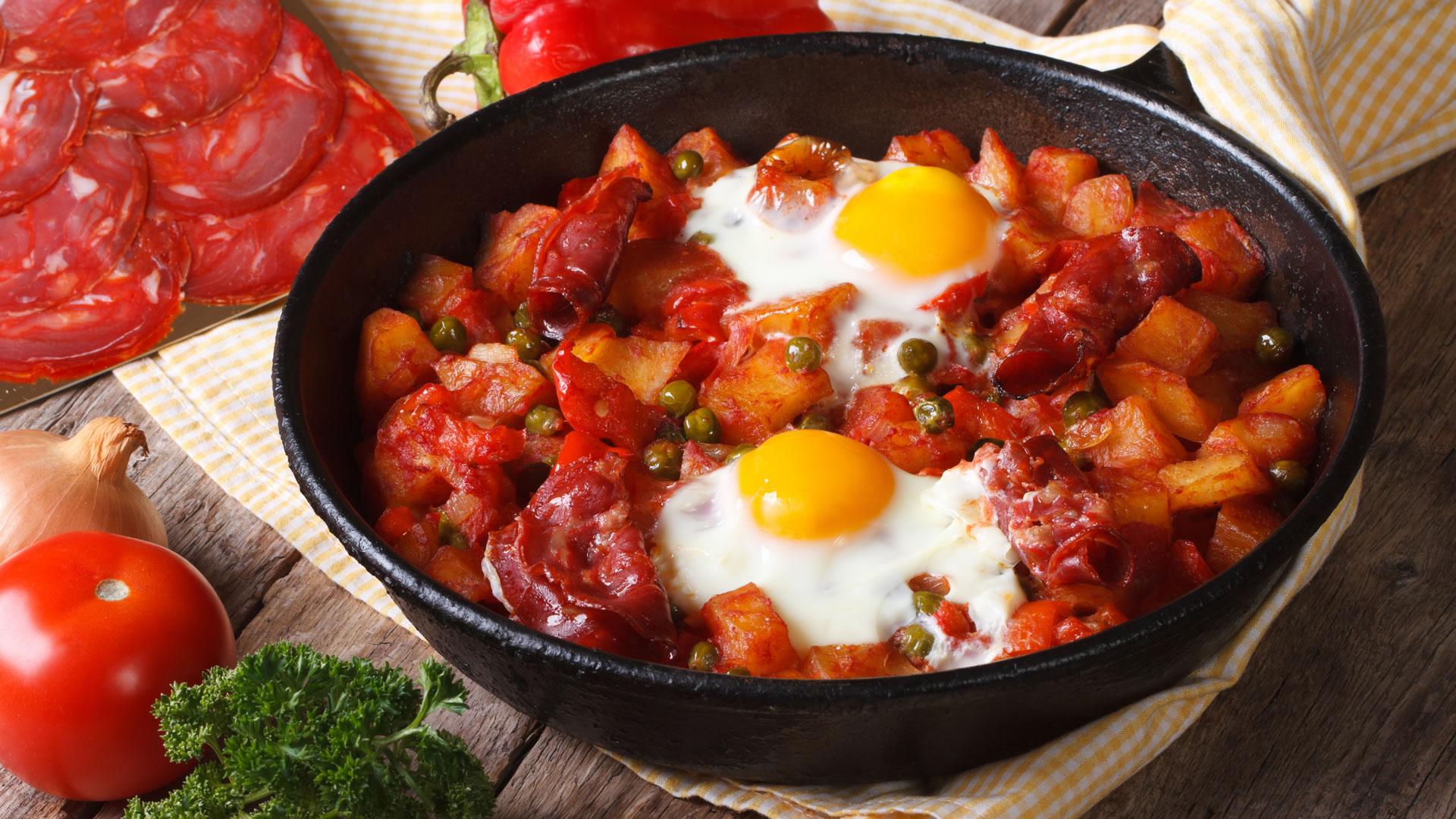 Huevos-a-la-flamenca-el-plato-por-excelencia-de-Sevilla