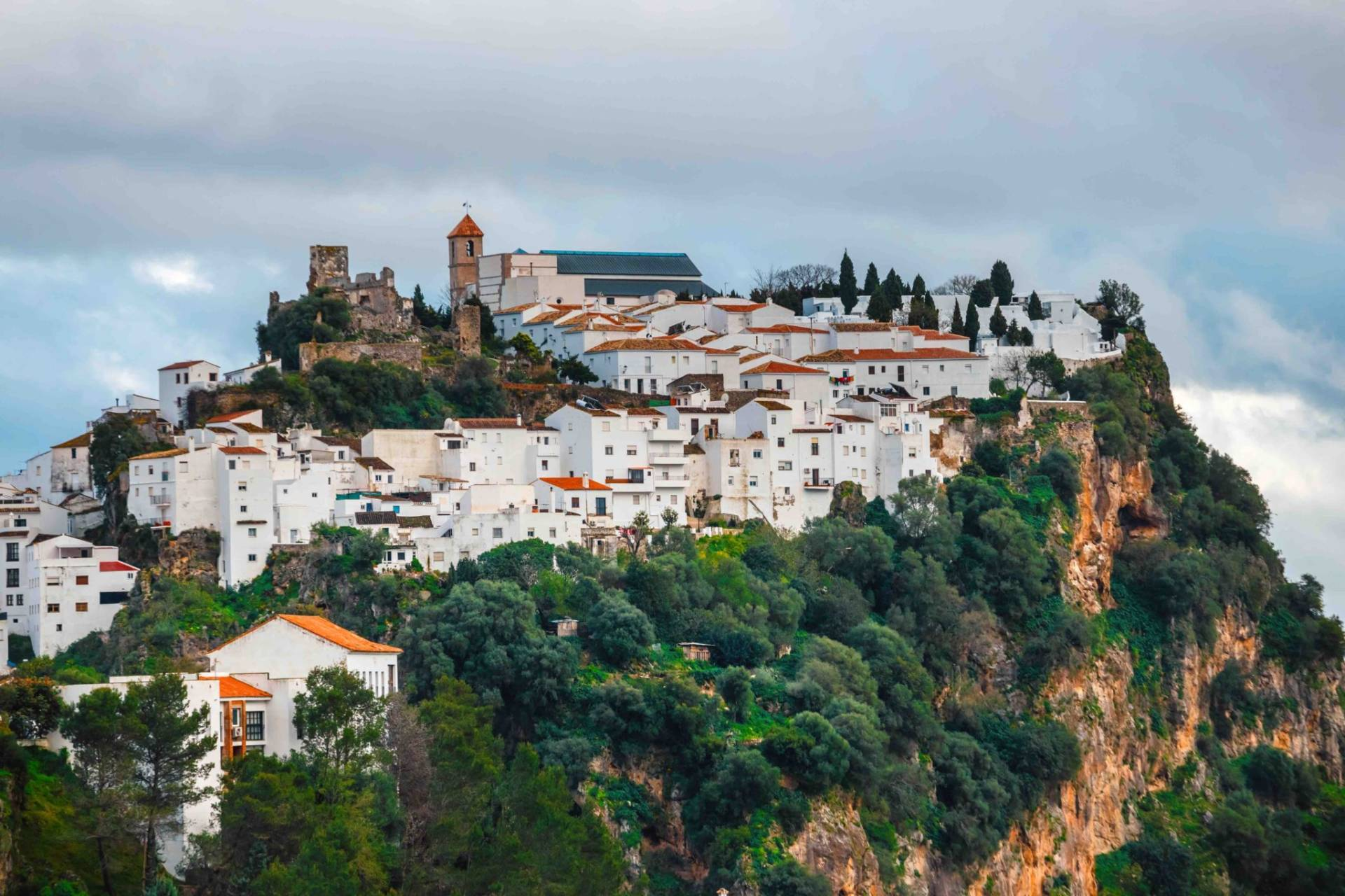 Going on vacatation? Book a transfer to Casares from Malaga Airport